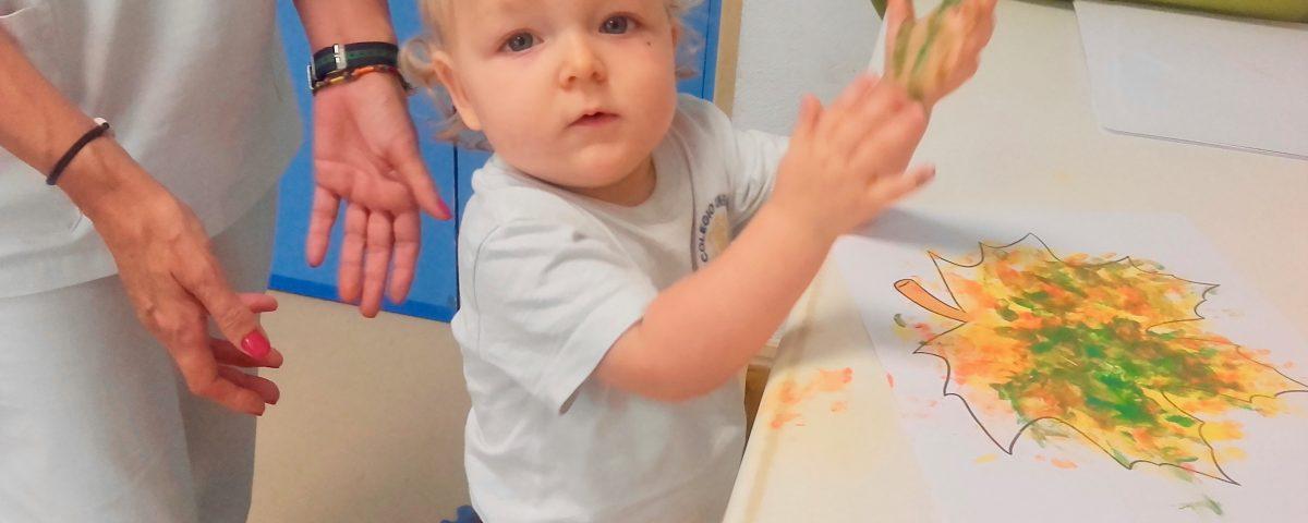 cluny villaamil niño pintando manos